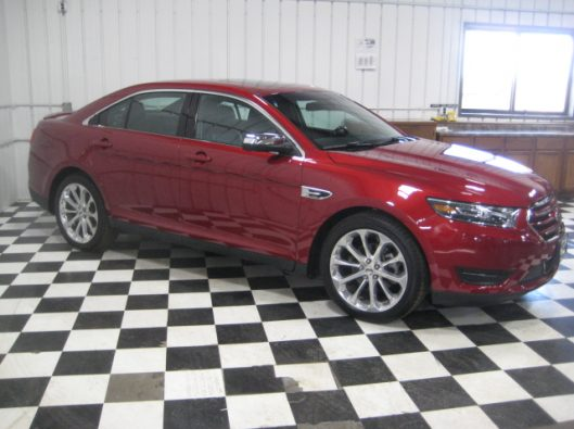 2017 Ford Taurus Limited red 008