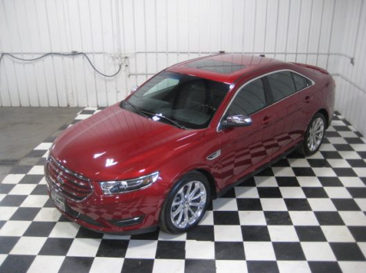 2017 Ford Taurus Limited red 009