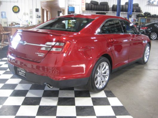2017 Ford Taurus Limited red 011