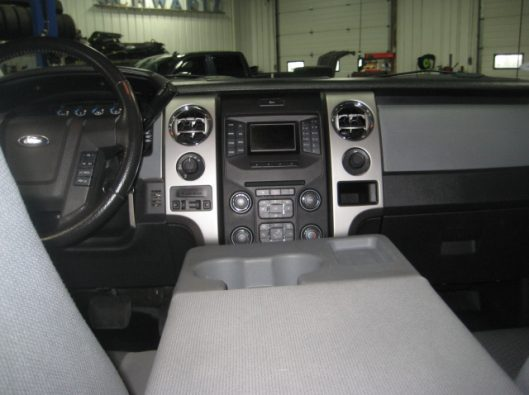 2013 Ford F150 Gray Crew 037