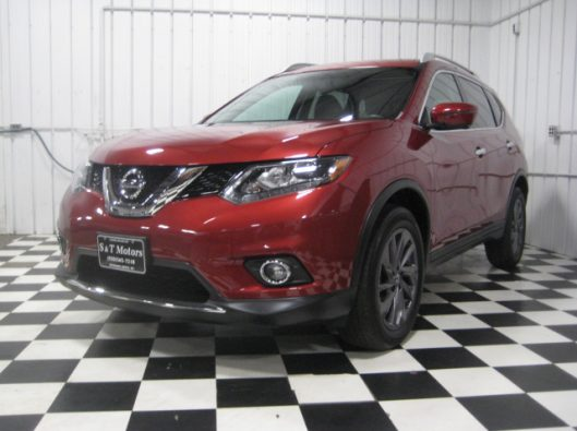 2016 Nissan Rogue SV Red 001