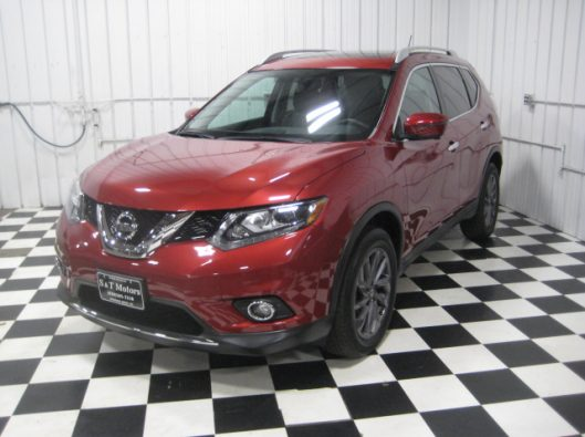 2016 Nissan Rogue SV Red 002