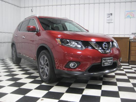 2016 Nissan Rogue SV Red 008