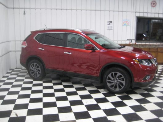 2016 Nissan Rogue SV Red 011