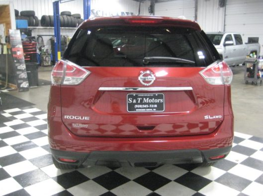 2016 Nissan Rogue SV Red 013