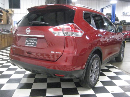 2016 Nissan Rogue SV Red 014