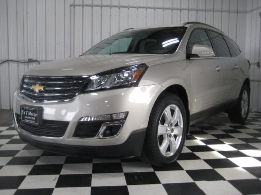 2016 Chevy Traverse Tan LT AWD 001