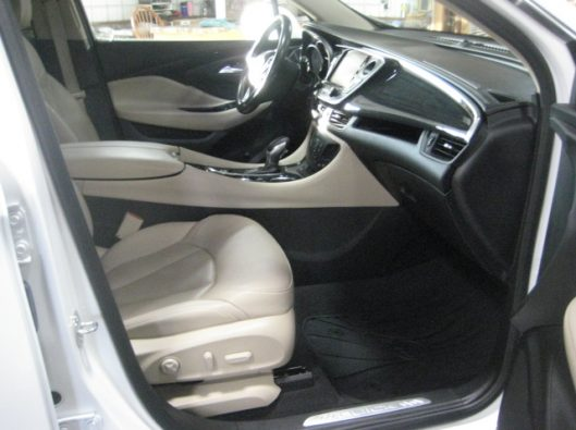2017 Buick Envision Essence White 019
