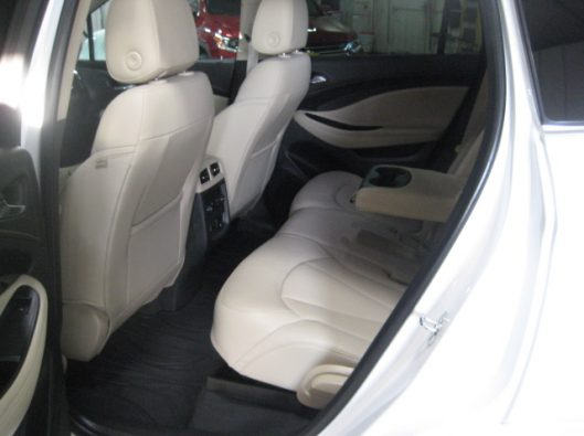 2017 Buick Envision Essence White 029