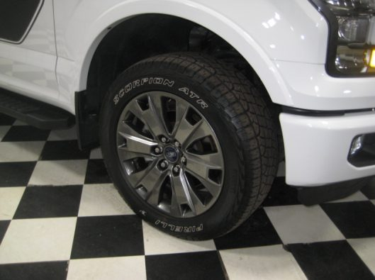 2016 Ford F150 White Crew Sport 010