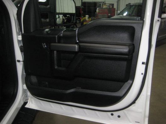 2016 Ford F150 White Crew Sport 021