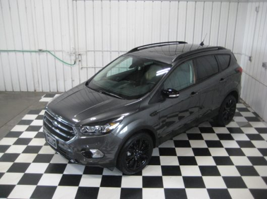 2019 Ford Escape Titanium Gray 011