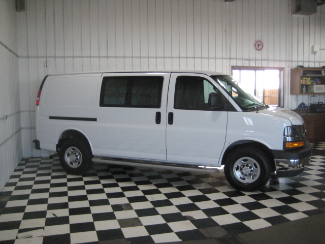 Chevy Express Cargo on 2000 Chevrolet Malibu